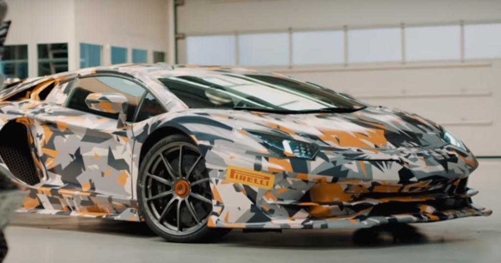 «Заряженный» Lamborghini Aventador SVJ показали на видео