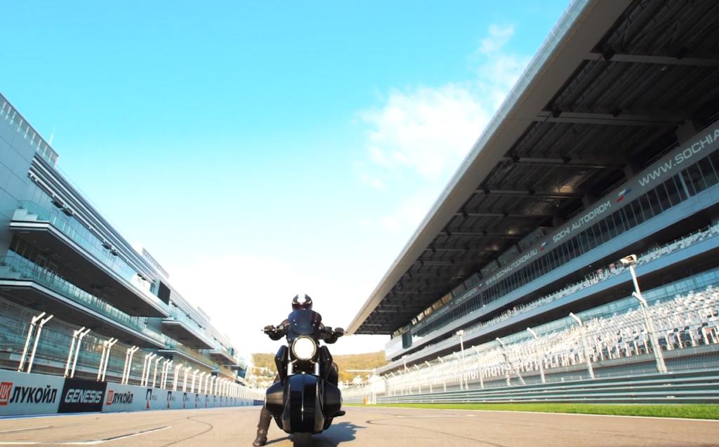 В Сочи протестировали концепт тяжелого мотоцикла «Иж»