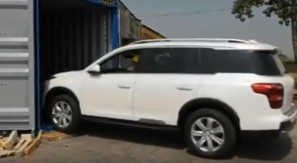 Процесс отправки внедорожника GAC GS8 в Россию показали на видео
