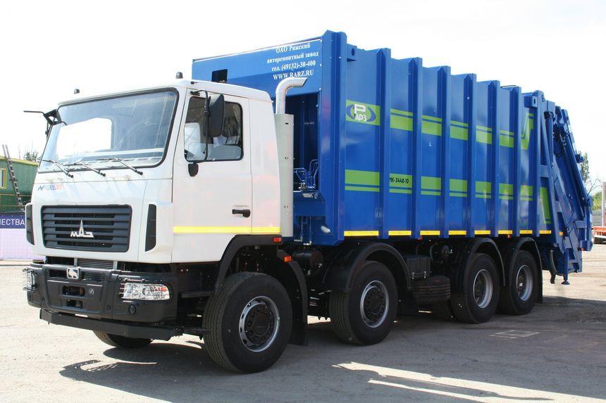 Ряжский авторемонтный завод представил огромный мусоровоз