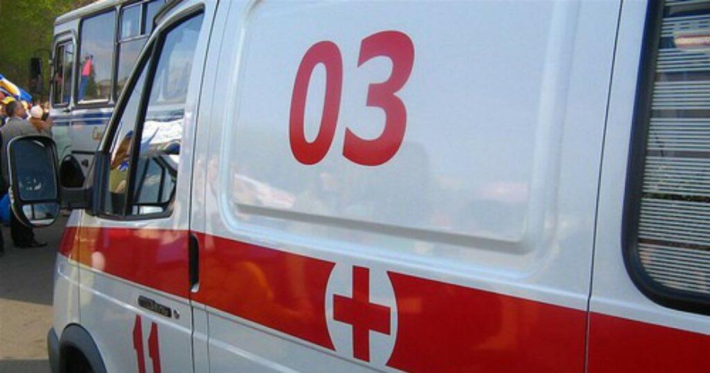 ВАЗ с 8-месячным ребенком внутри опрокинулся на трассе в Коми