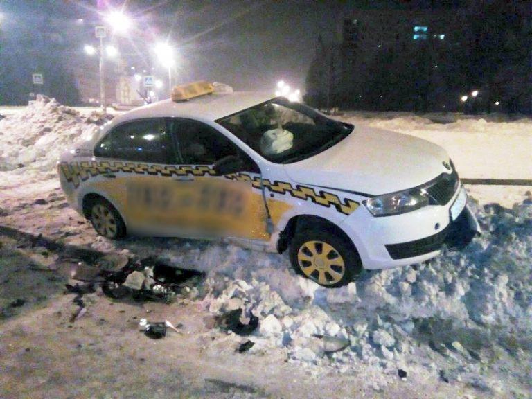 Врезался в «Шкоду» в Тольятти неопытный водитель на «Весте»