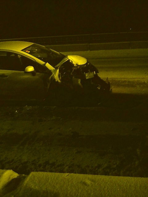 """Врезался в снегоуборочную машину в Бийске автомобиль """" Тойота"""""""