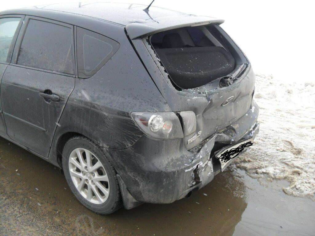"Фура ""догнала"" Мазду на трассе «Орёл-Брянск», пострадал водитель"
