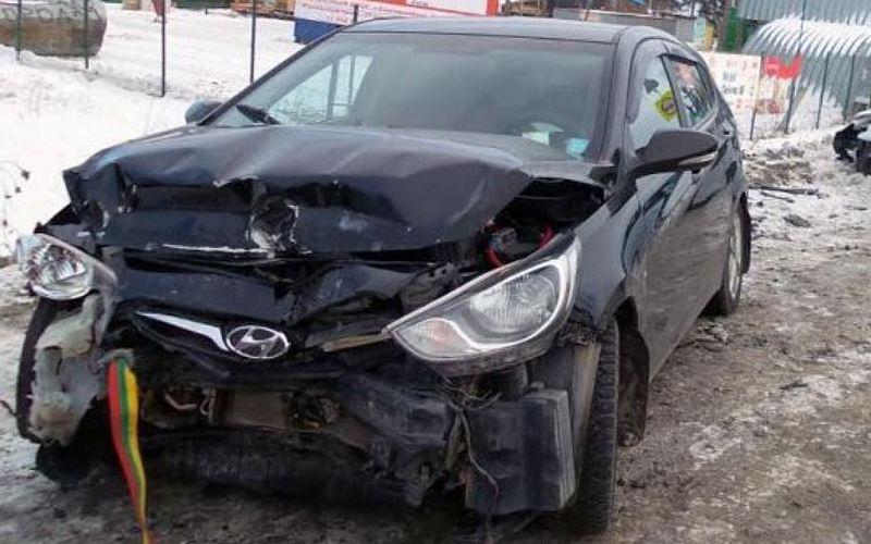 В Брянске 64-летний водитель пострадал в лобовом ДТП двух иномарок