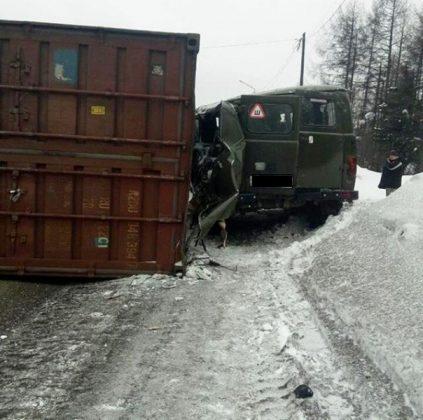 Жуткое ДТП на ФАД «Лена» в Якутии, двое в реанимации