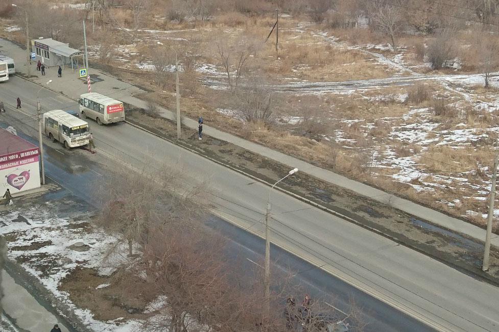 Девушку в наушниках насмерть раздавила маршрутка в Челябинске