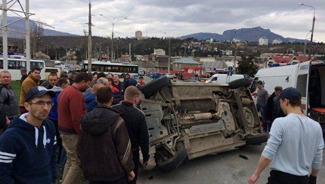 Иномарка перевернулась на автовокзале Алушты