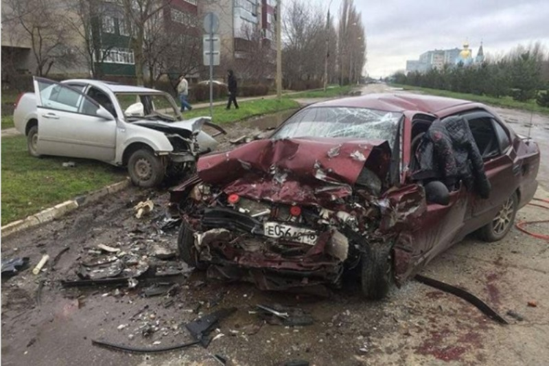 В Тихорецке водитель иномарки погиб в ДТП на встречке