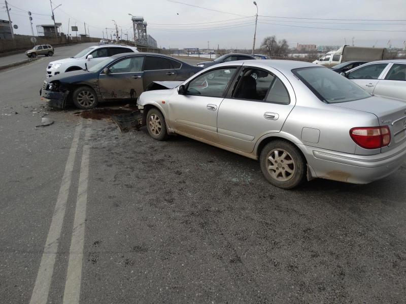 Авария с пострадавшими произошла в Астрахани на Старом мосту