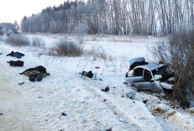 Двое погибли, трое пострадали в страшном лобовом ДТП в Мордовии