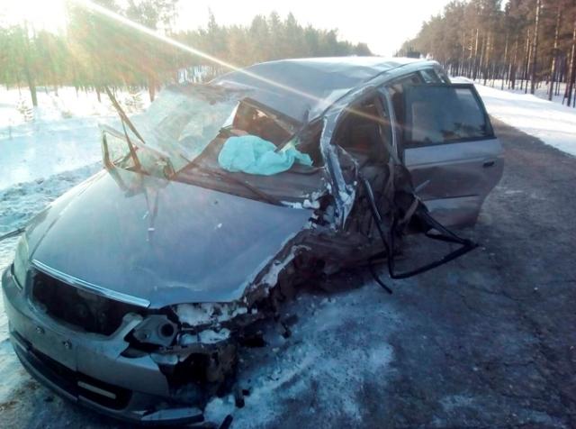 На встречке в Бурятии КамАЗ раздавил иномарку, пассажирка в больнице