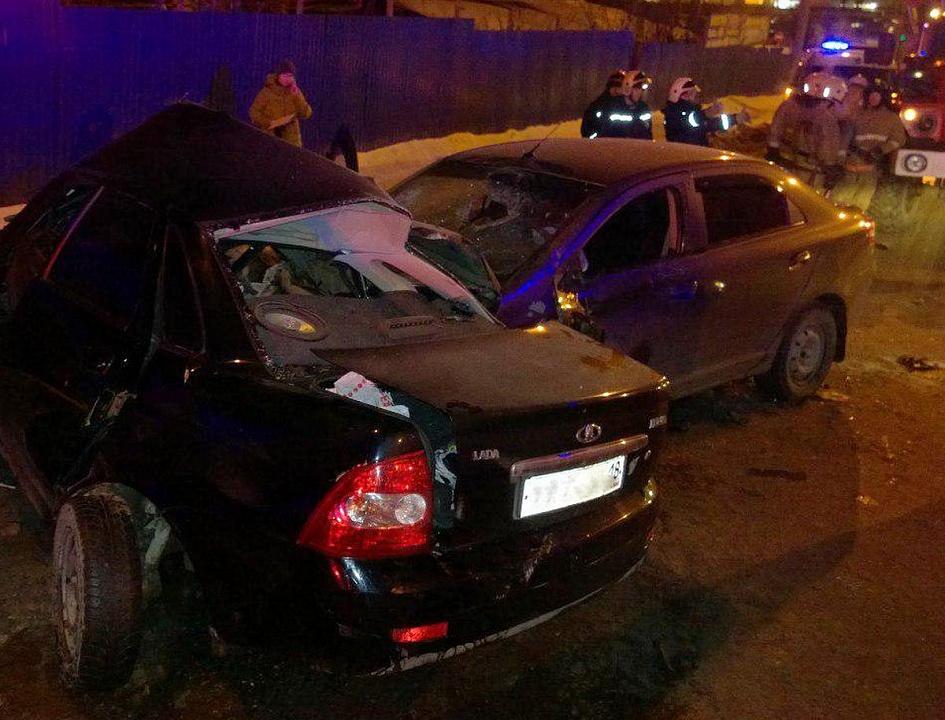 Смертельное ДТП на Новоажимова в Ижевске, погибли двое