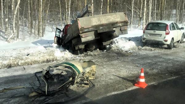 Инкассаторский автомобиль устроил массовое ДТП с пострадавшими под Северодвинском