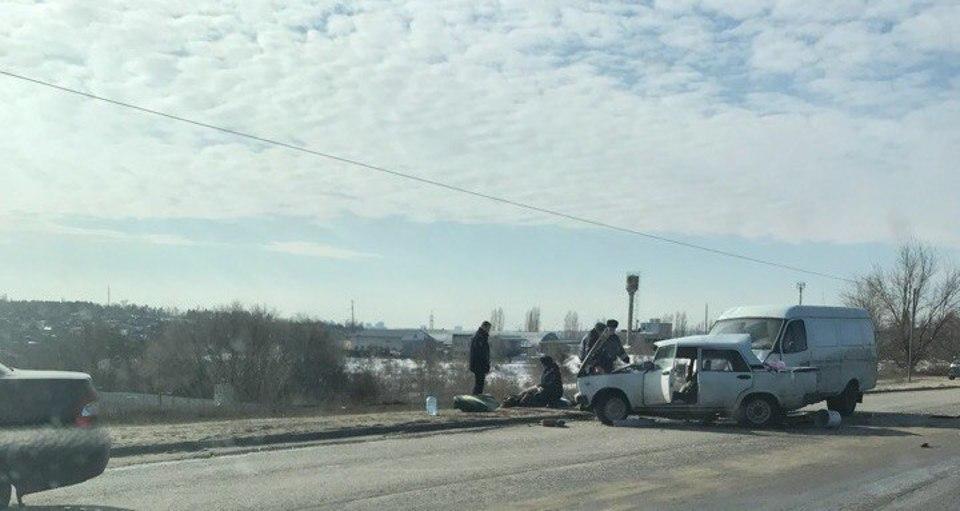 Страшное ДТП на Ангарском в Волгограде - один погибший, два пострадавших