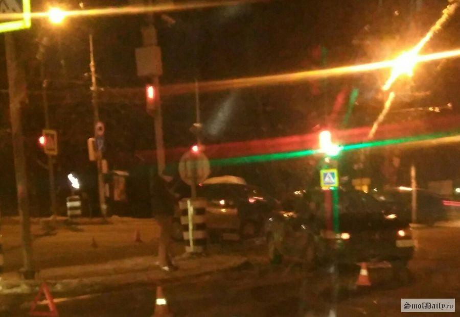 Сразу шесть машин попали в ДТП в Смоленске