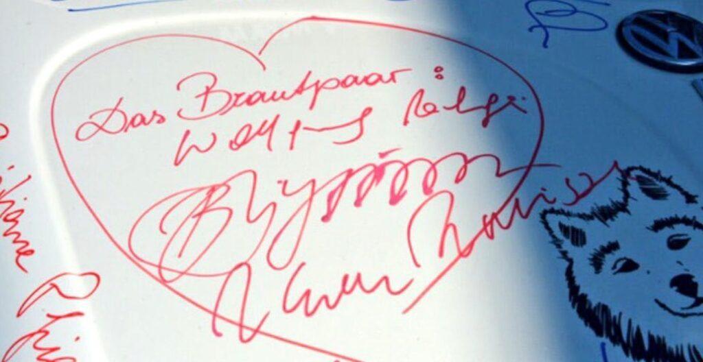 Кабриолет с автографом Путина продан на аукционе за 20 тысяч евро