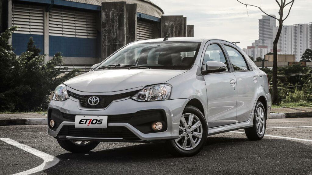 Обновления получит самый бюджетный седан Toyota Etios