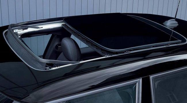 MINI представила новую спецверсию хэтчбека – Blackfriars