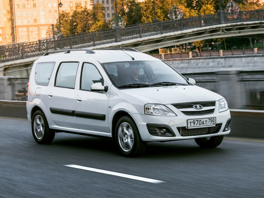 «АвтоВАЗ» добавил в линейку LADA Largus мотор от седана Vesta