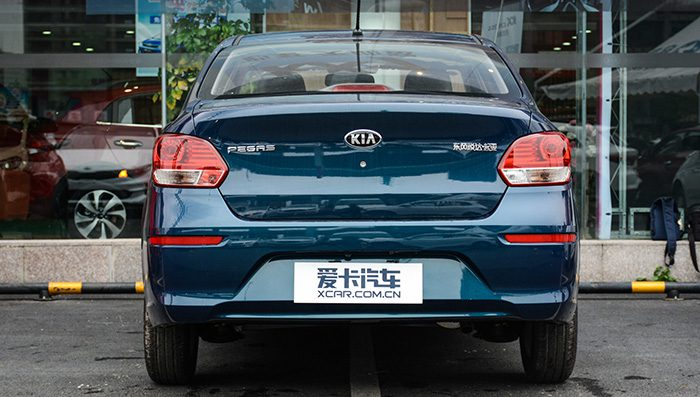 Седан на базе Kia Rio прошлого поколения вышел на глобальный рынок
