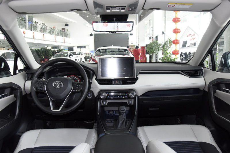 Toyota начала приём заказов на кроссовер Toyota Wildlander