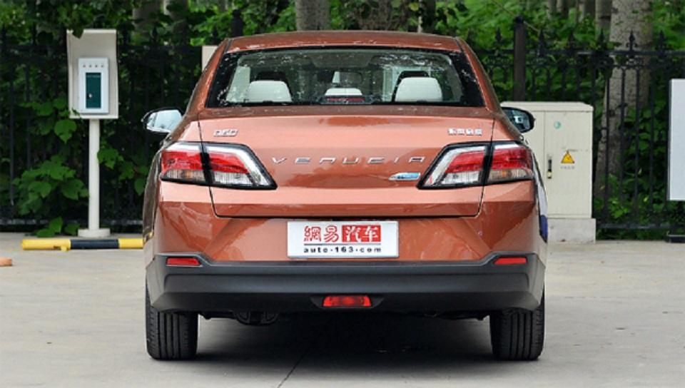 В Китае стартовали продажи перелицованного седана Nissan Sentra