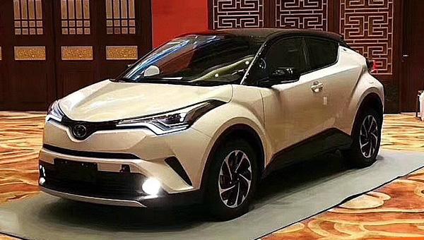 Тоёта презентует кроссовер Тойота C-HR в РФ