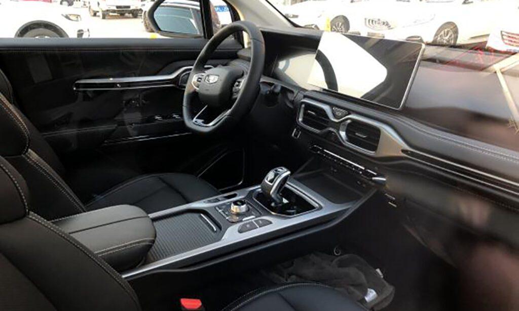 Geely отправила дилерам конкурента Toyota Highlander