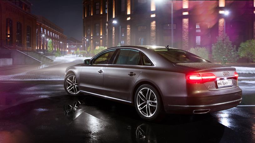 Audi привезла в Россию версию седана Audi A8 с новым мощным двигателем