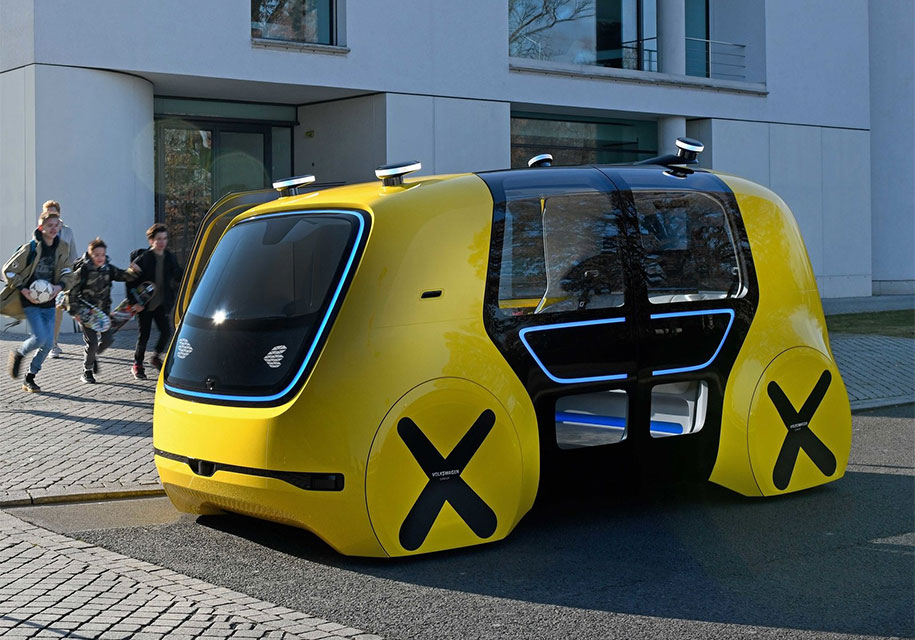 Прототип Volkswagen без руля и педалей стал школьным автобусом