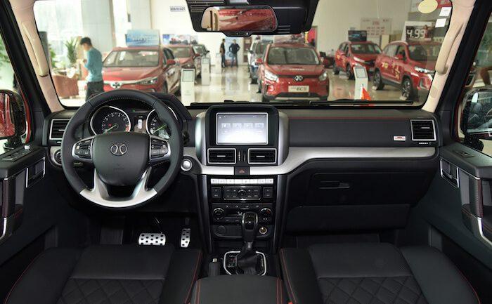 Недорогой аналог Mercedes-Benz G-Class получил 400-сильный турбомотор