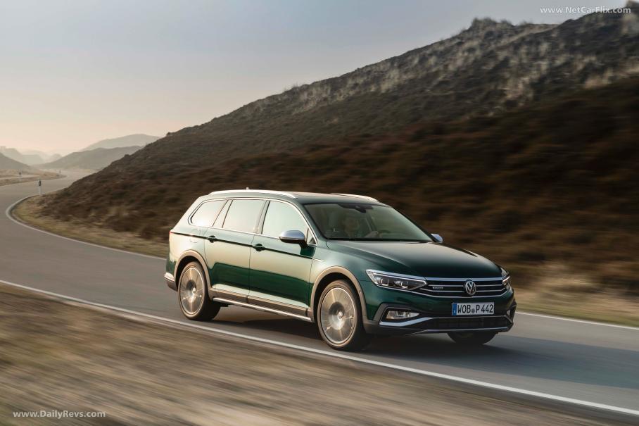 Обновленный универсал Volkswagen Passat Alltrack вышел в продажу в РФ