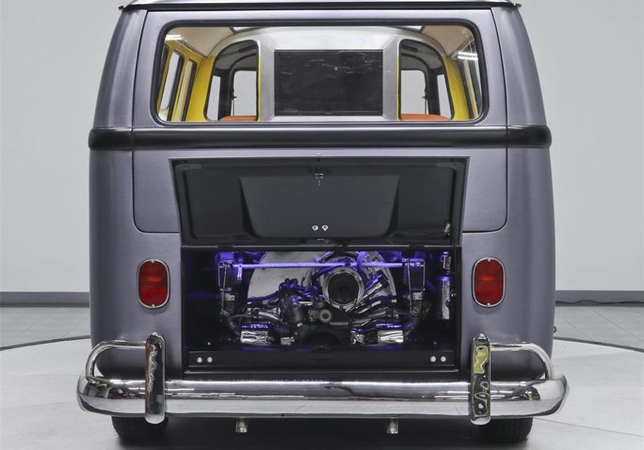 Хиппибас Volkswagen T1 превратили в машину из «Назад в будущее»