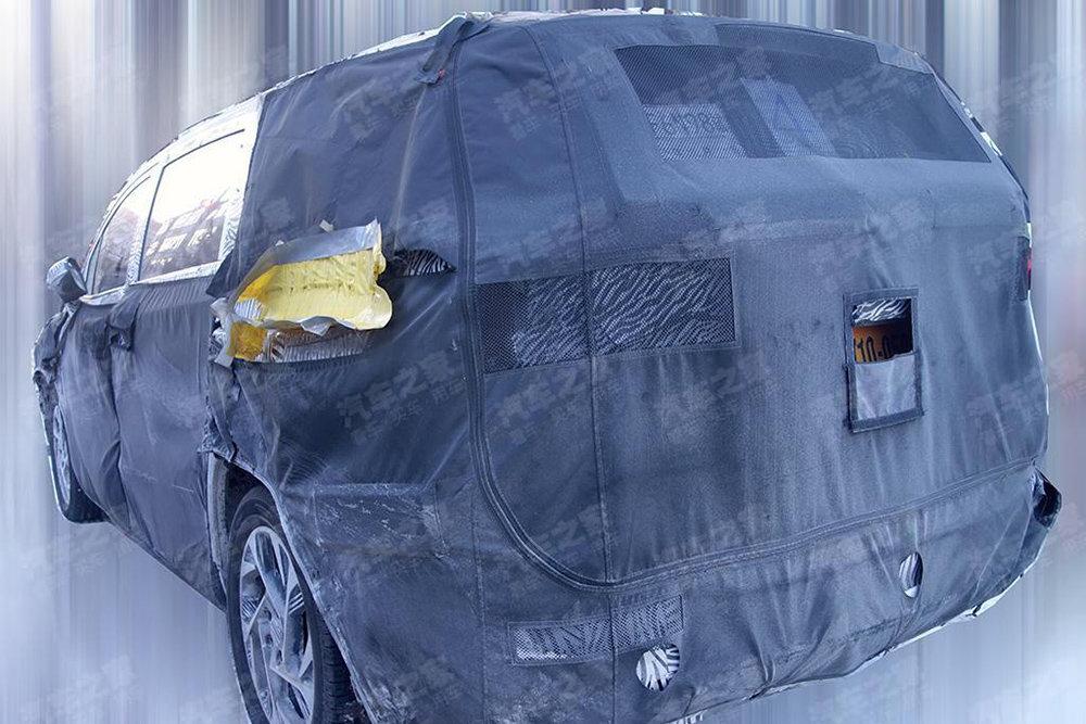 Hyundai выпустит новый бизнес-вэн Hyundai Custo