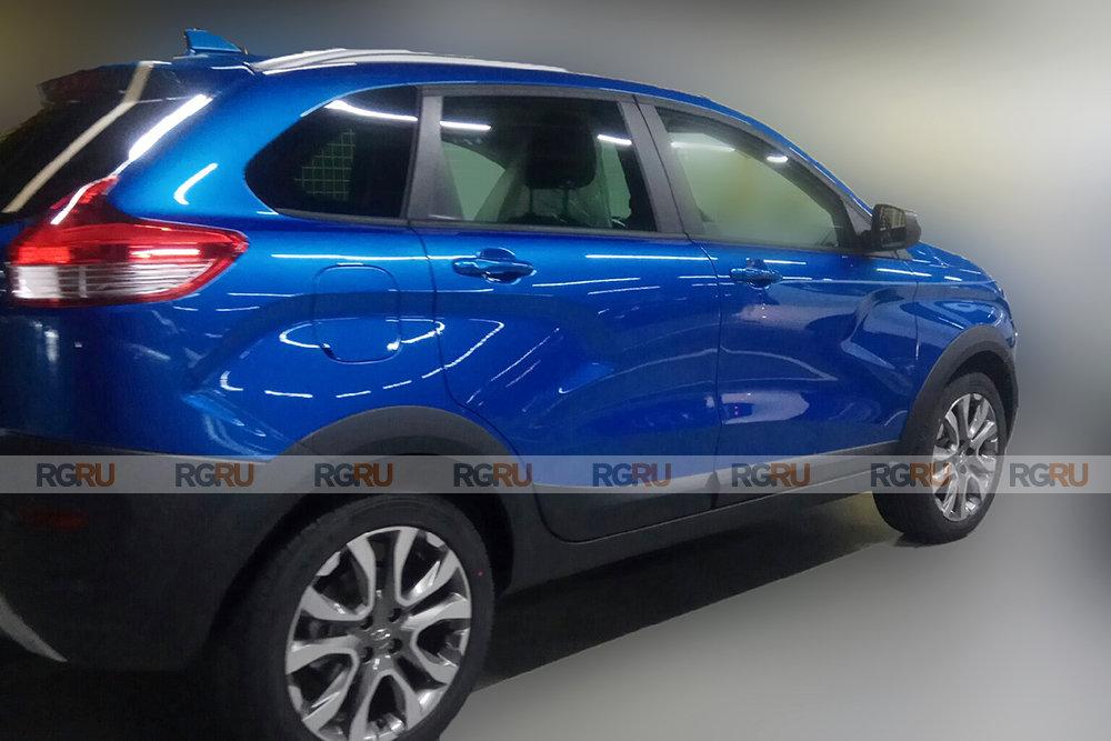 Lada Xray получит новый яркий цвет кузова