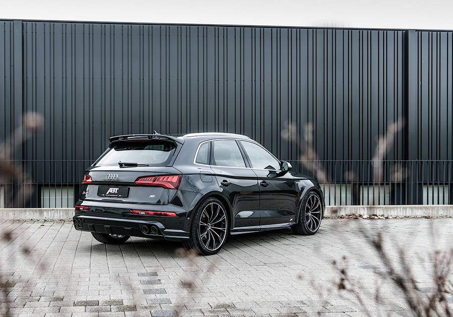 Мощнее и агрессивнее сделало «заряженный» Audi SQ5 ателье ABT