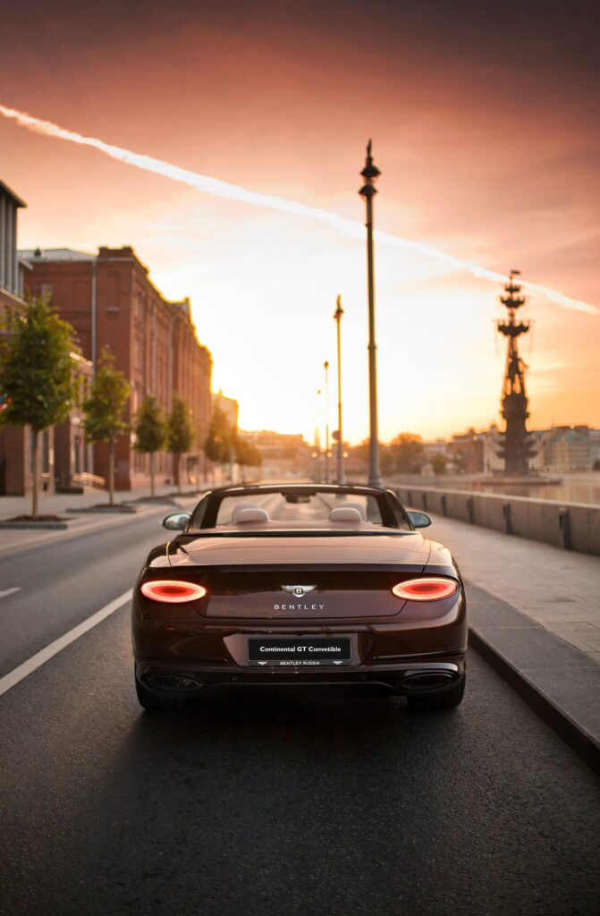 В Россию привезли кабриолет Bentley Continental GT