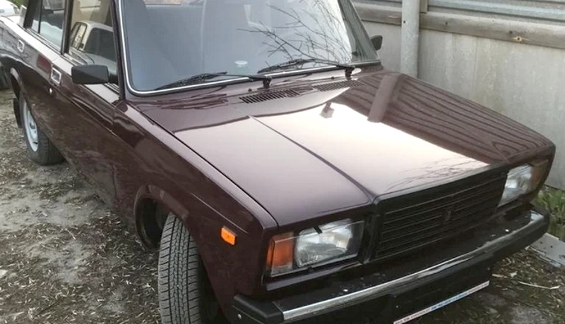 В России продают 12-летний ВАЗ 2107 без пробега за 200 тыс. рублей
