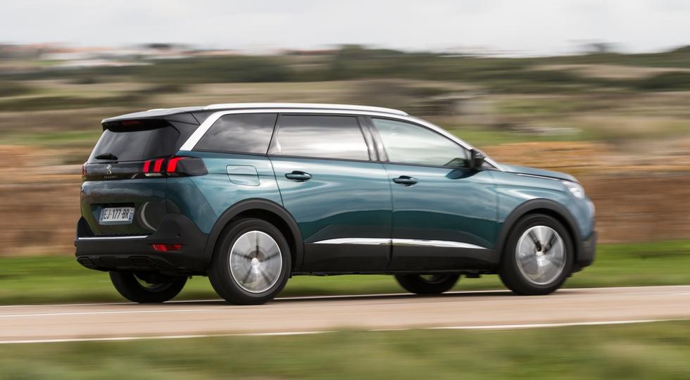 В РФ стартовали продажи Peugeot 5008 нового поколения
