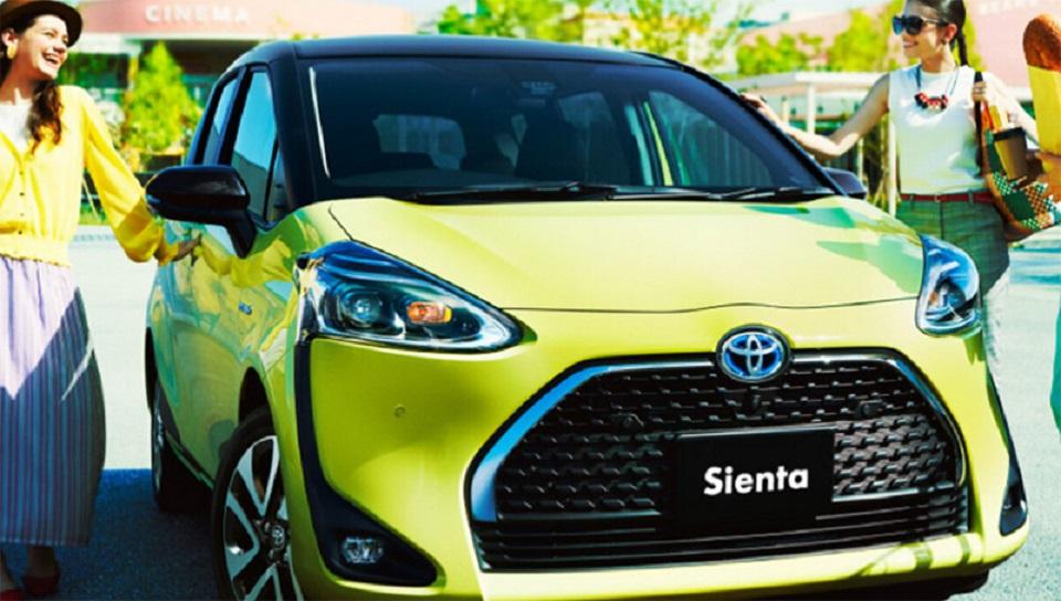 Toyota начала продажи обновленного компактвэна Toyota Sienta