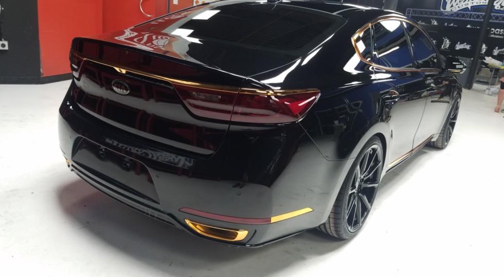 Новый KIA Stinger GT получил три тюнингованных версии