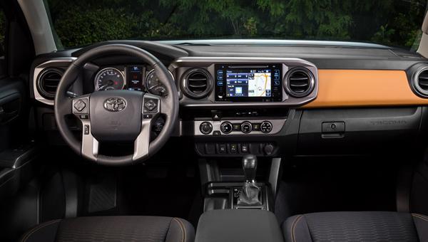 Обновленный Toyota Hilux 2018 получит дизайн в стиле Toyota Tacoma