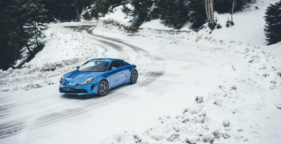 252-сильный спорткар Alpine A110 официально встал на конвейер