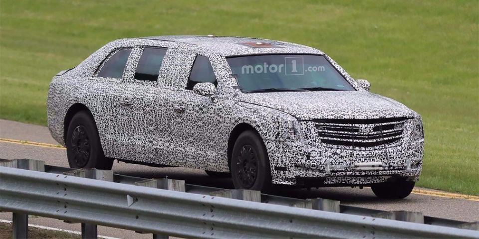 Cadillac передала новый бронированный лимузин The Beast Дональду Трампу