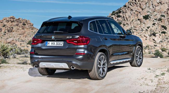 Новый BMW X3 размером с BMW X5 привезли в автосалон «ЭлитАвто Сибирь»