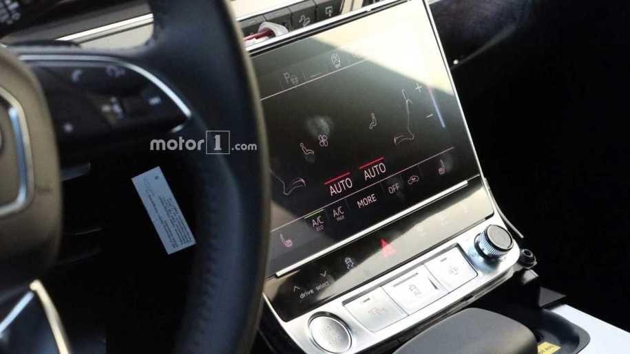 Самый роскошный кроссовер Audi Q8 снова заметили на тестах