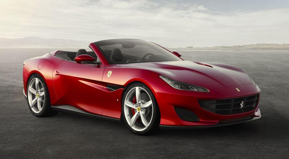 Названы российские цены на новый купе-кабриолет Ferrari Portofino