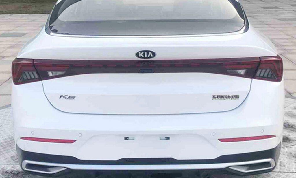 На снимках впервые показали длиннообразную Kia Optima