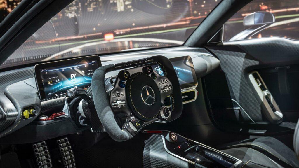 Mercedes-AMG One может получить особую версию от Льюиса Хэмилтона